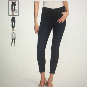 Joes dark denim skinny jeans. Never been worn!